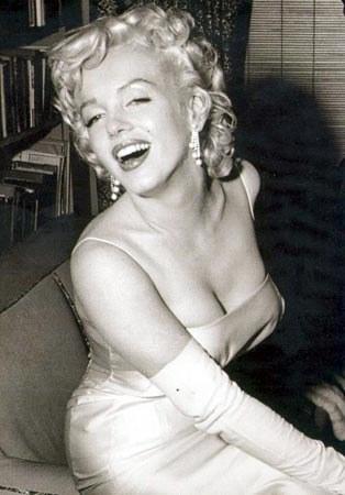 Marilyn-monroe-20050822-64329