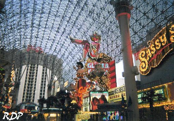 2207075-Downtown_on_Freemont_Street-Las_Vegas